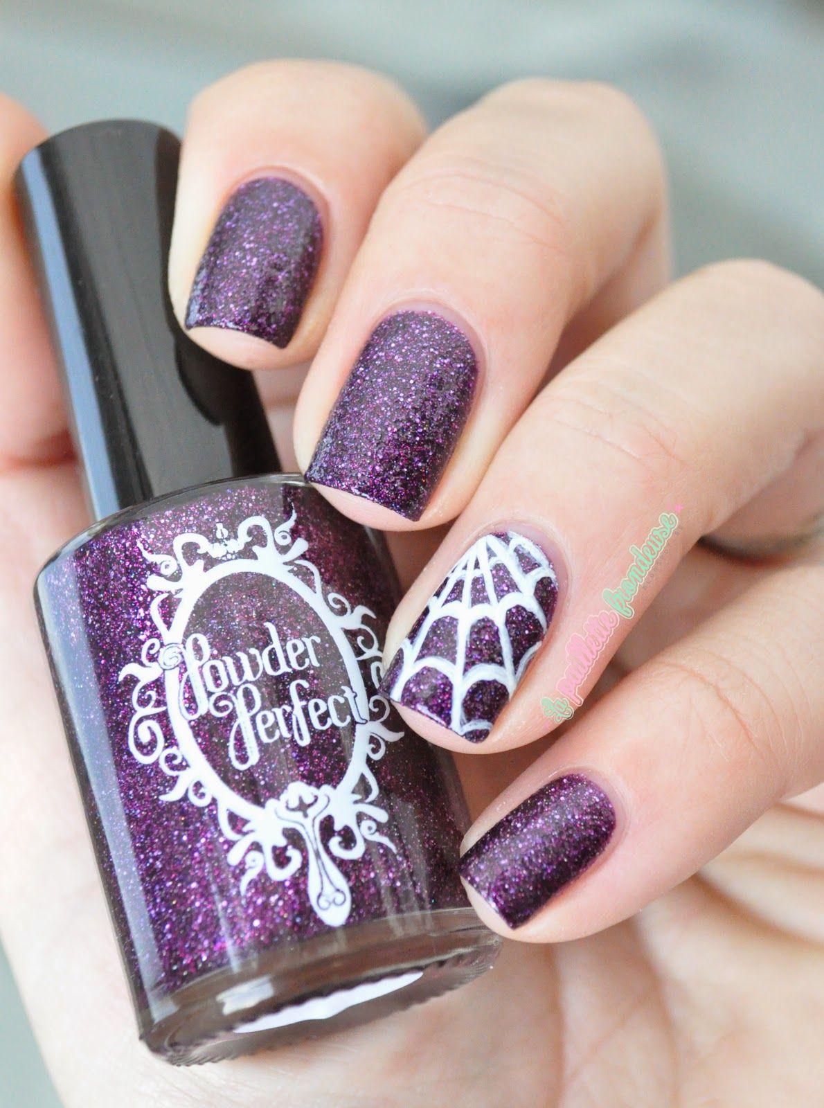 Powder perfect exhilaration - Halloween nails spider web