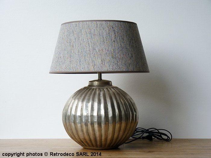 Lampe boule lignée en métal martelé déco ethnique chic Chehoma