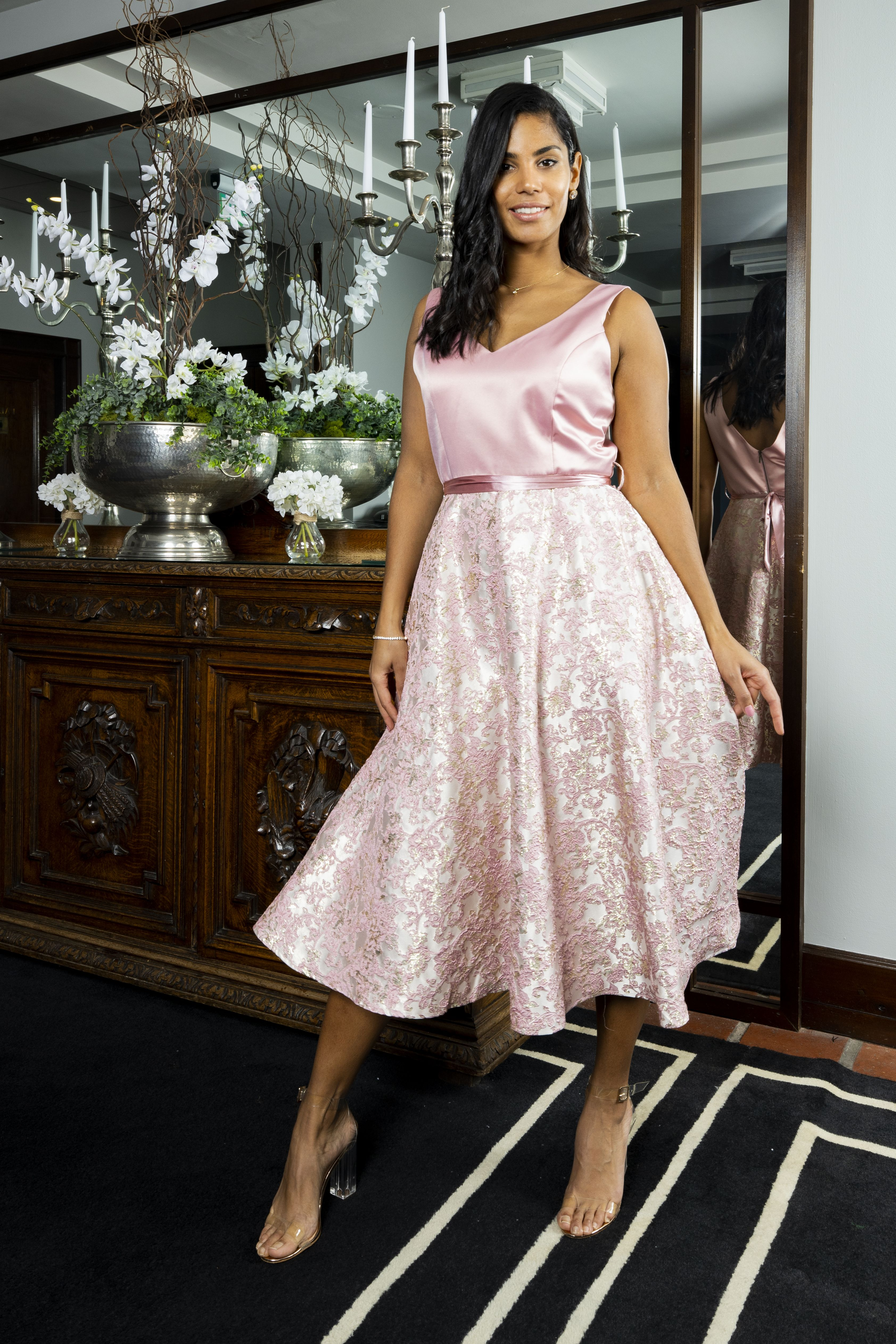 Pin By Virgo Boutique Online Fashio On Communion Outfits For Mom Elegant Fashion Wear Elegant Outfit Glamour Fashion [ 5050 x 3367 Pixel ]