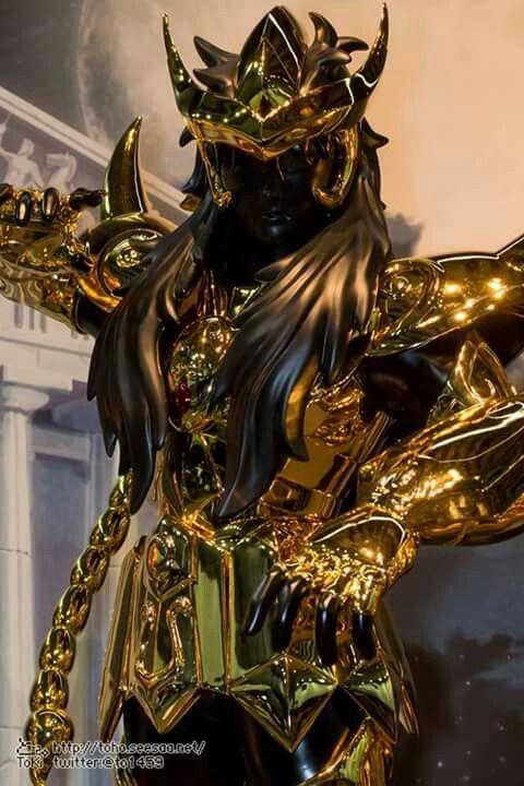 Fotos detalhadas da Armadura de Ouro de Escorpião em tamanho real (1,85m) exposta no evento Complete Works of Saint Seiya.