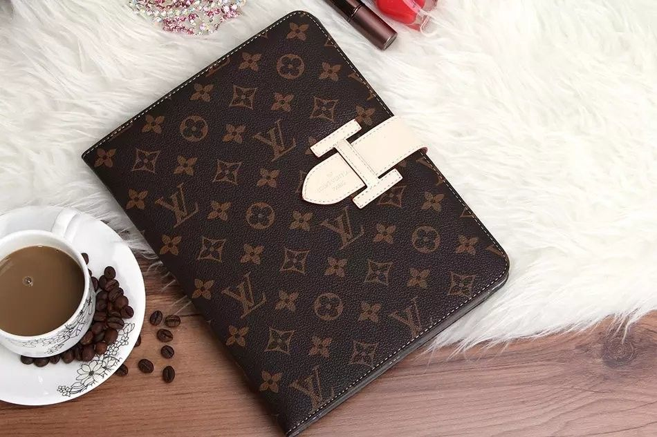 hot sale online 32aa2 e1671 Recomended Cool Cases Louis Vuitton (LV) iPad Cases for Women ...