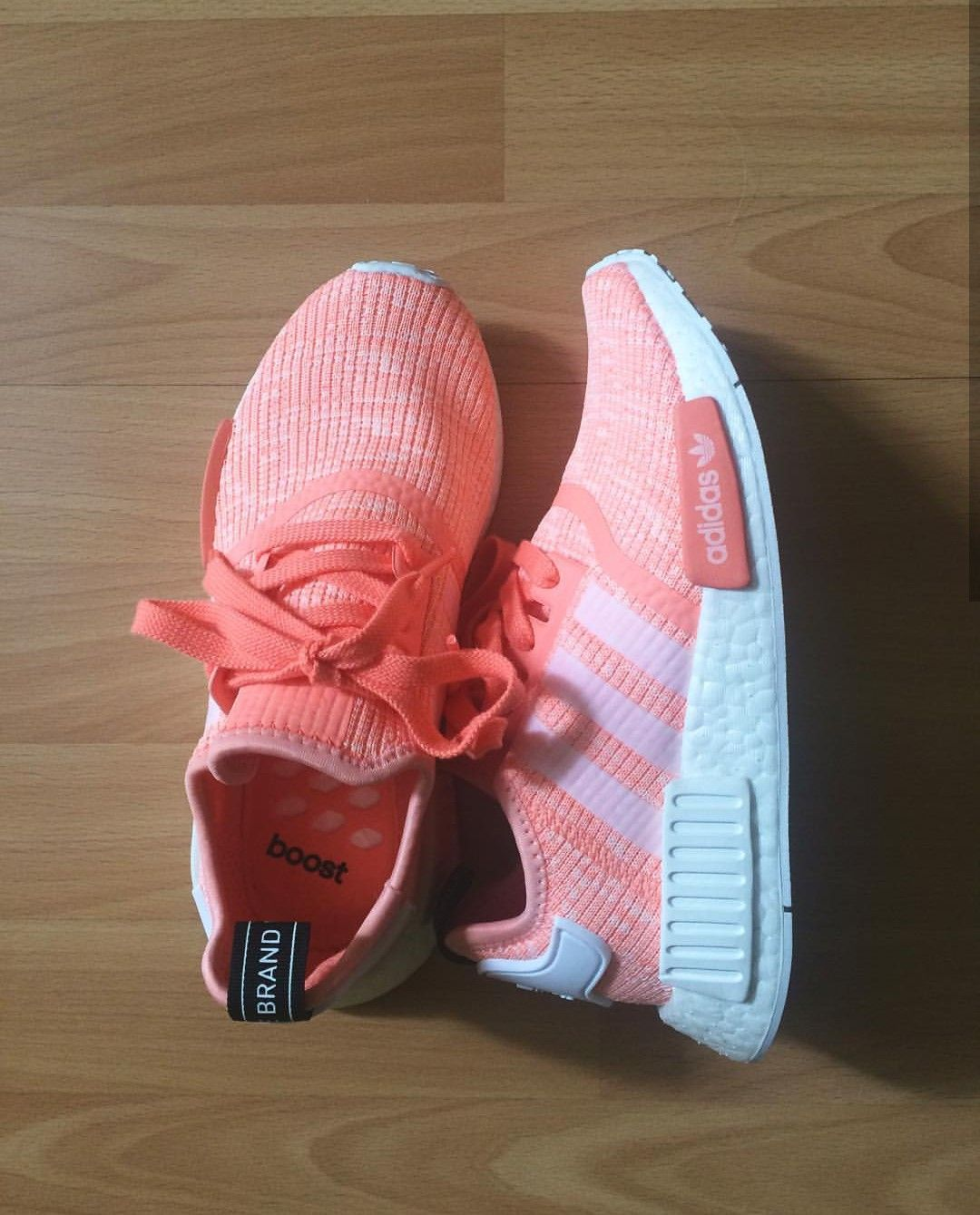 e98a8c23dbb1 Damen Sneaker ᐅ Onlineshop. adidas Originals NMD in lachs orange   Foto   kajka holiencikova  Instagram