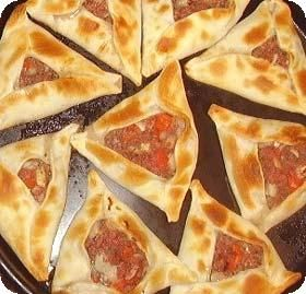 Empanadas Arabes (arabian meat turnovers)
