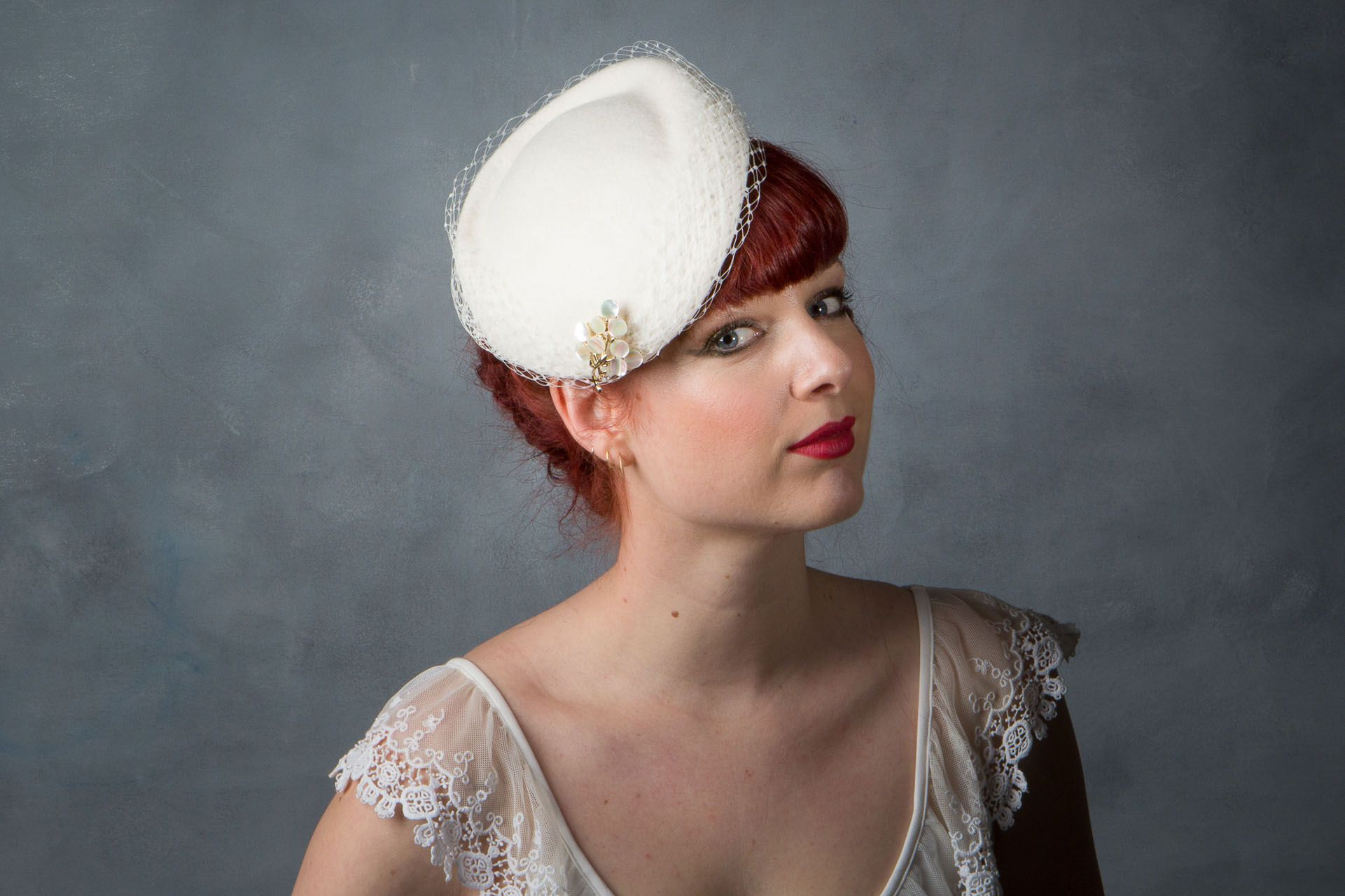 63ef73734d8 1950s Style Bridal Percher Hat with Brooch with Birdcage Veil This hat has  several ways of being worn and is actually the same as the  1950s Style  Bridal ...