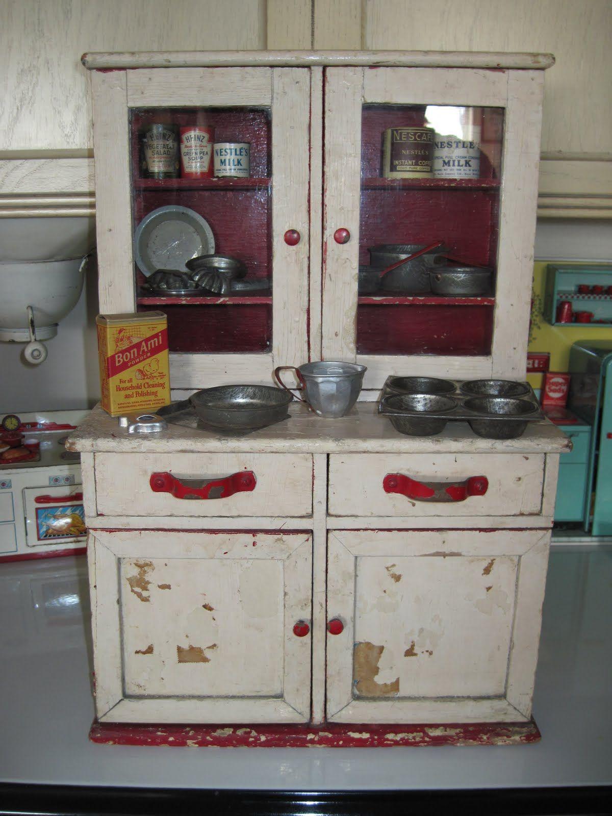 An Entire Kitchen Fits Into A Cupboard Style Unit. U003eu003eu003e You Can