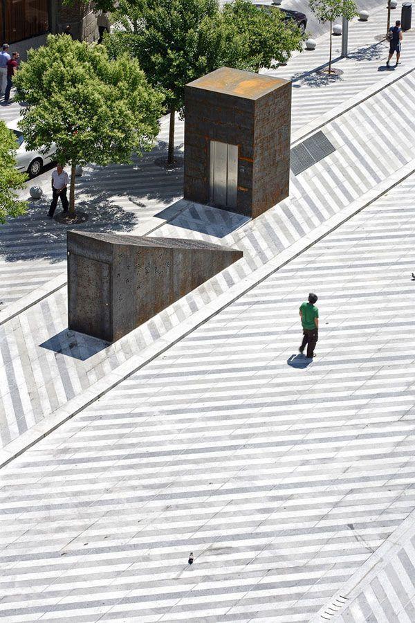 Plaza de la luna by brut deluxe ben busche architects for Paving planner