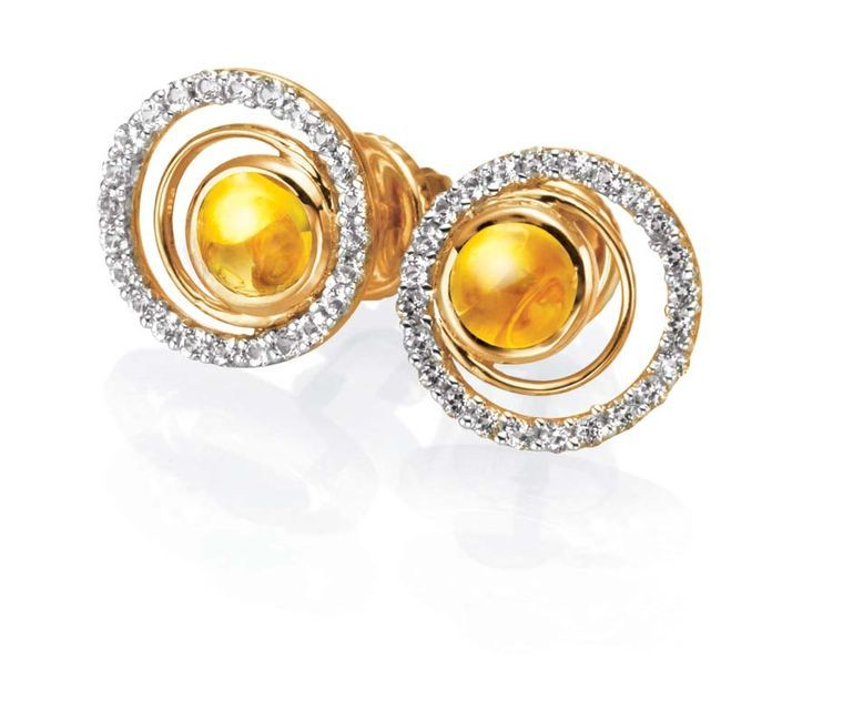 Tanishq IVA 2 collection gold circular ear studs with diamonds and ...