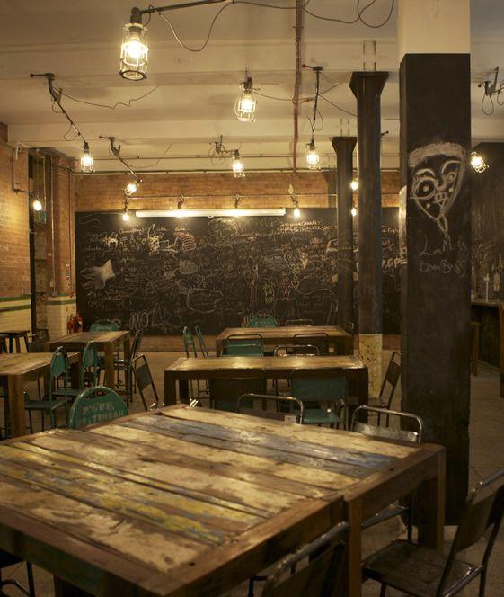inspiration industrielle r ussie pour ce bar d co esprit industriel pinterest restaurant. Black Bedroom Furniture Sets. Home Design Ideas