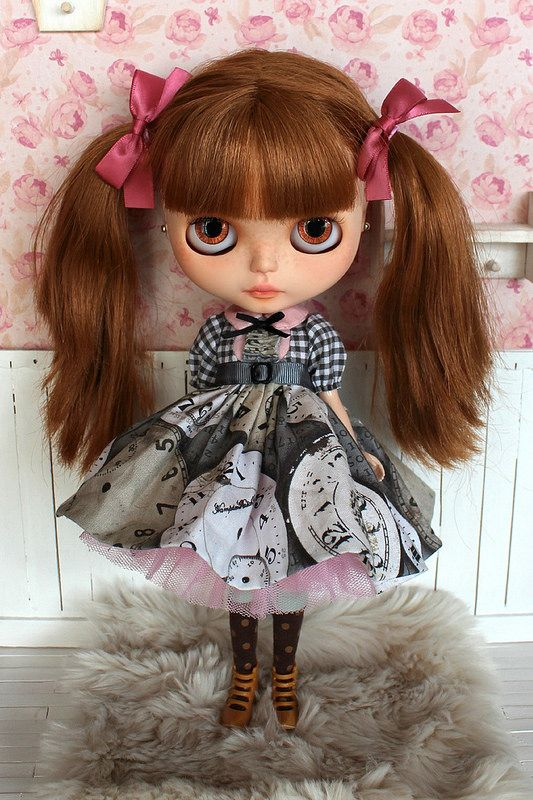 Made a new sweet clock dress ^_^