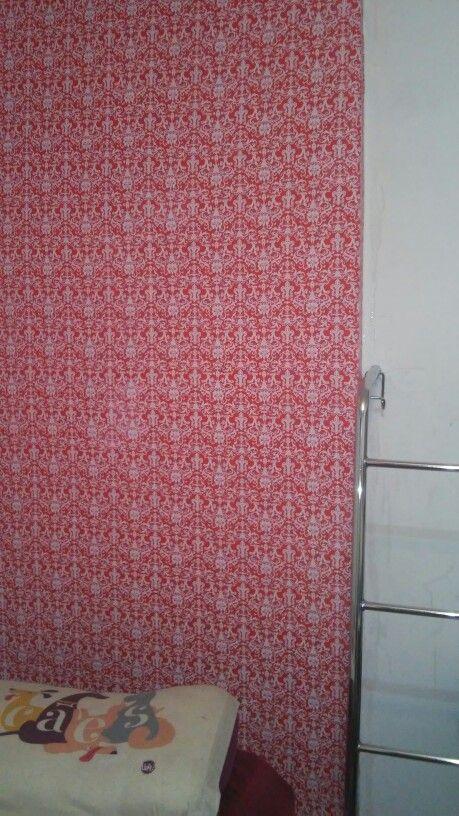 E foi feito! Encapei minha parede do quarto com tecido
