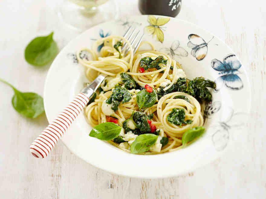 Pinaatti-mozzarellaspagetti - Reseptit