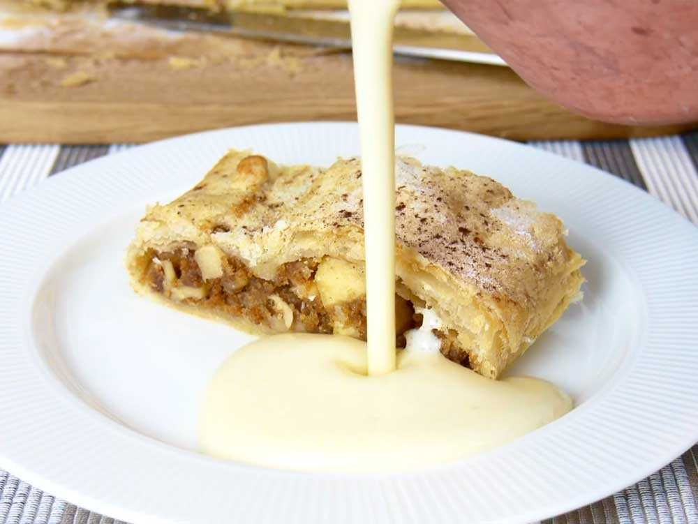 Vegan Apple Strudel With Vegan Home Made Custard Strudel Recipes Vegan Desserts Vegan Sweets