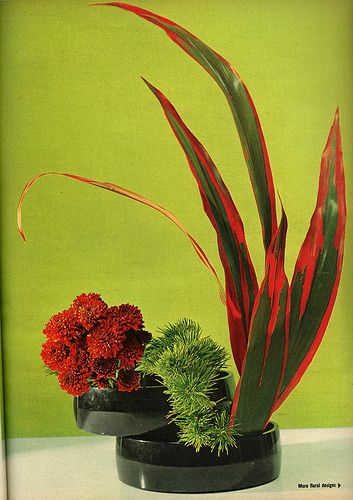 Corporate flowers,  corporate flower centerpiece,  add pic source on comment…