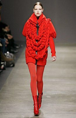 Couture Carrie: K is for Knits! couture knitted lengths of chain for a collar or infinity scarf by giorgio armani in 2008...you too could easily replicate this style in acolour of your choice in time for this autumn and show off your couture knitting savvy to your friends