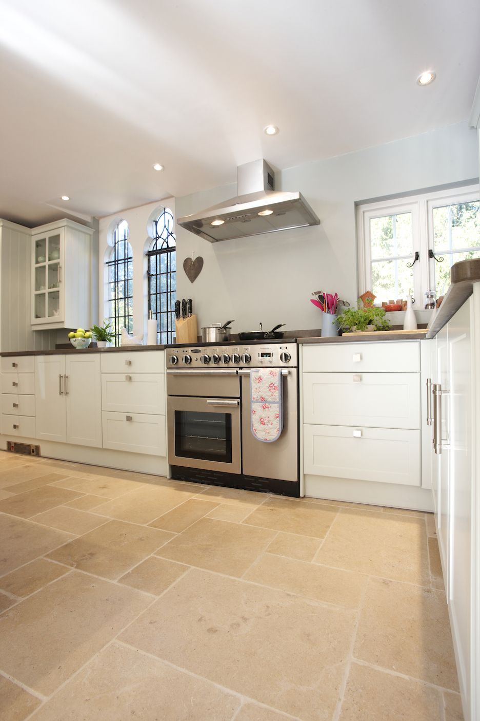 buscot limestone in a tumbled finish - country kitchen floor