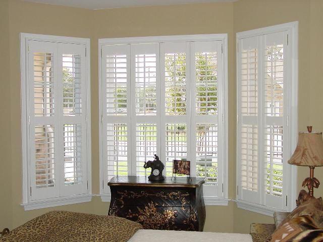 2.5 In Plantation Shutters   Pair With Center Divider Rail   Bay Window  | Windows/Blinds | Pinterest | Window, Window Coverings And Bay Window Photo