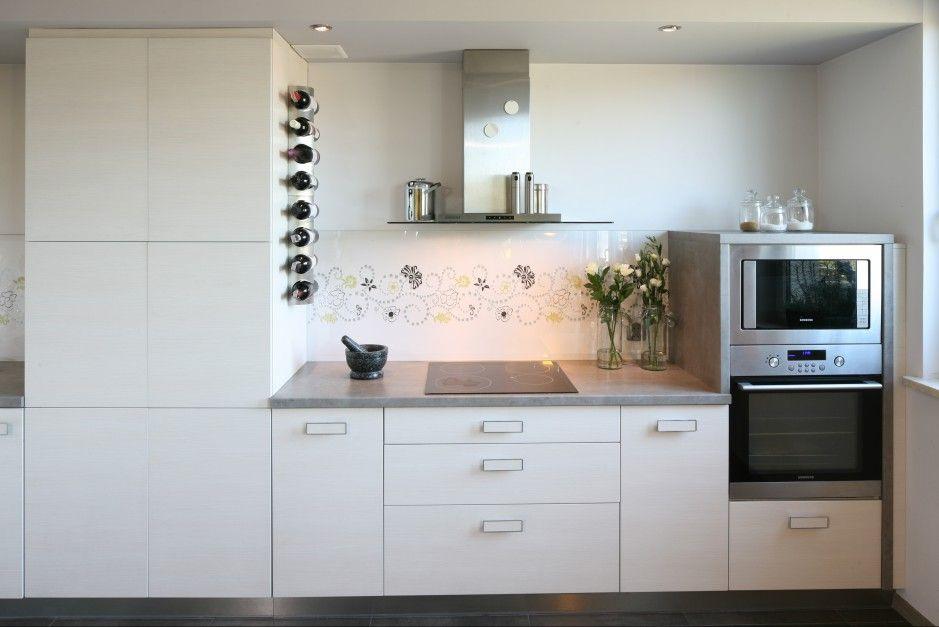 Co Polozyc Miedzy Szafkami W Kuchni Praktyczne Rozwiazania Home Decor Kitchen Kitchen Cabinets