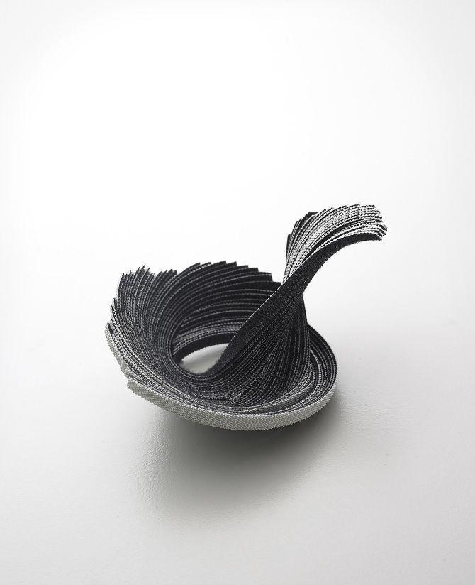 Brooch velcro, Yong Joo Kim