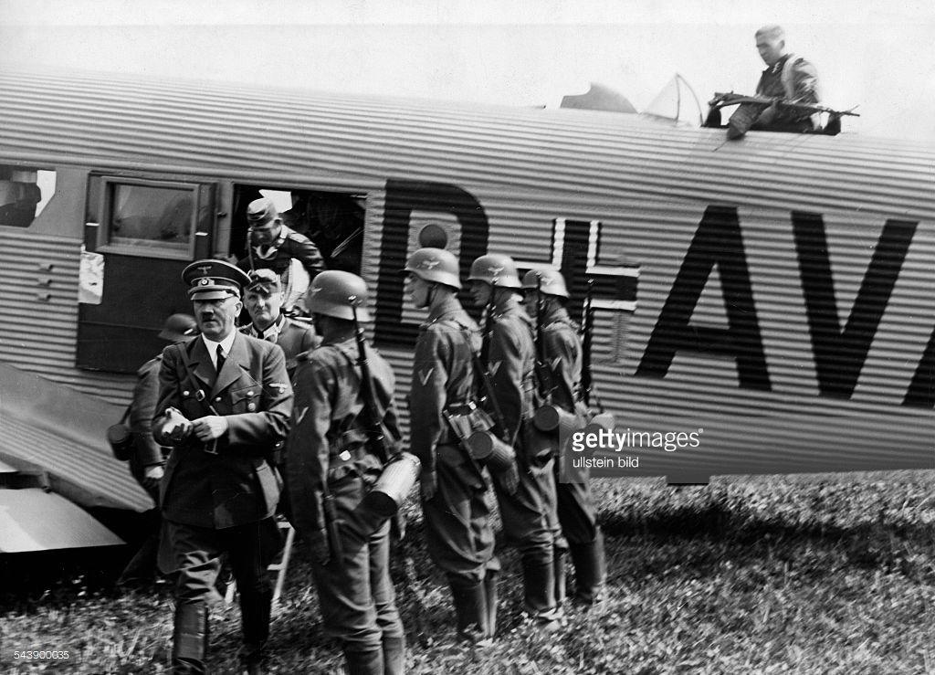 Hitler at a military airport in Poland - 1939- Photographer: Presse-Illustrationen Heinrich Hoffmann- Published by: 'Hier Berlin' 17/1940Vintage property of ullstein bild