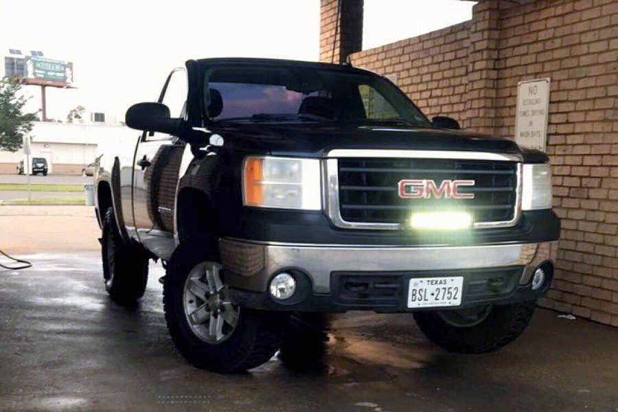 Clarksville police reports five motor vehicles stolen in