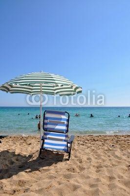 liegestuhl und sonnenschirm am strand landschaft am meer pinterest liegestuhl. Black Bedroom Furniture Sets. Home Design Ideas