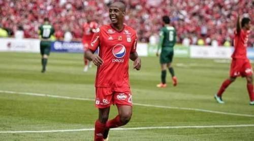 Y LO VENDIERON   Atlético Nacional finalmente compró a J. Lucumi por USD 1.8M y adquirió el 70% de sus derechos deportivos américa se queda con el 30% restante para futuras ventas.  Buena idea o mala idea? Déjanos tu comentario