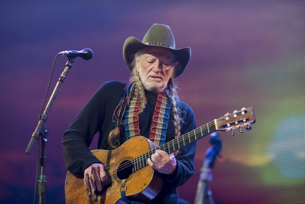 Willie Nelson, Cyndi Lauper Honored at PreGrammy Show