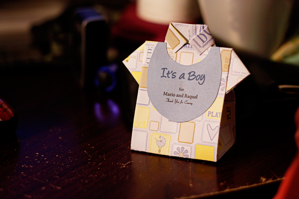 Baby Shower Favor Boxes Pinterest : Origami shirt favor box with bib for baby shower