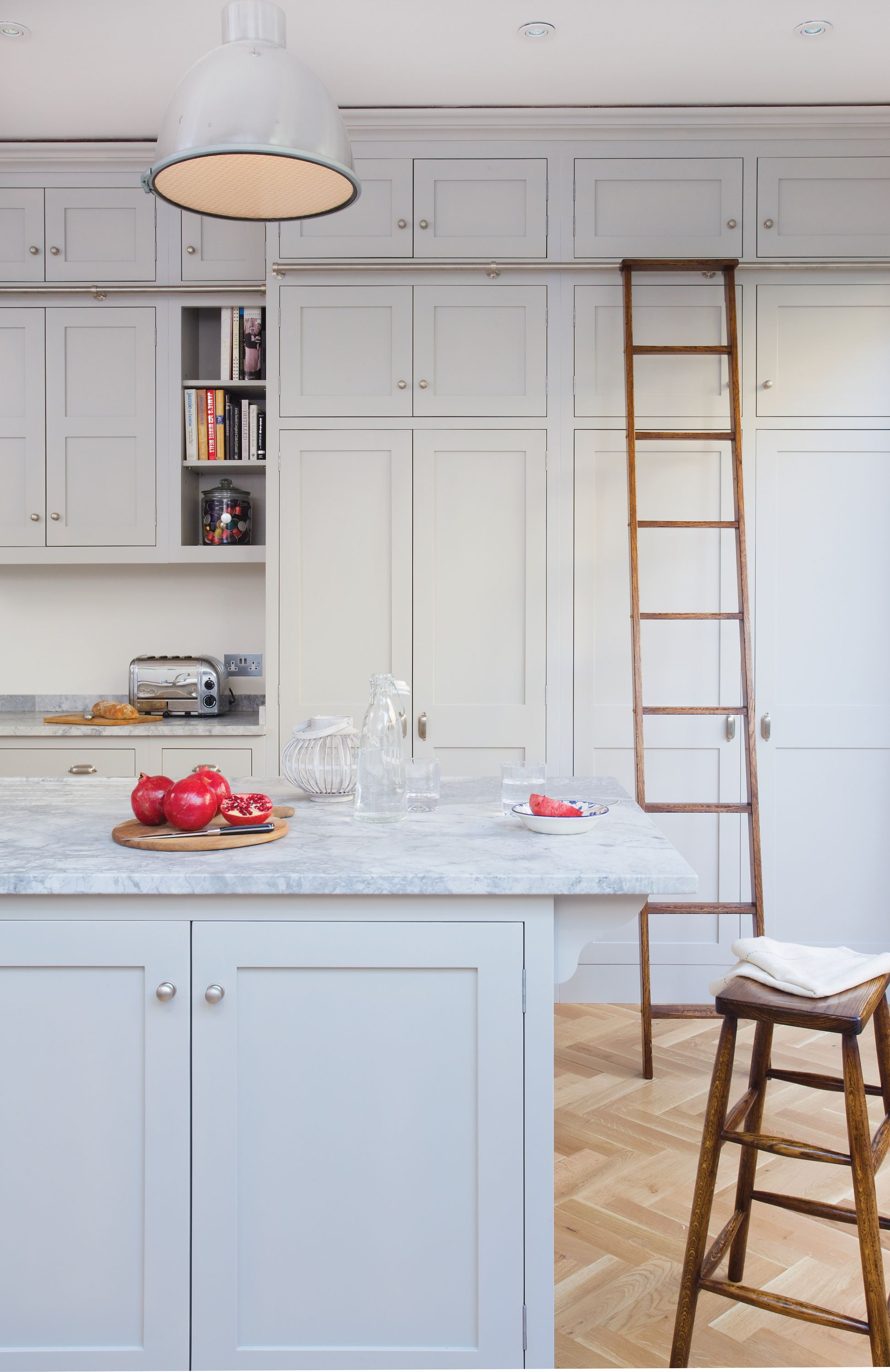 Imported From Image Metadata Charlie Kingham Kitchen Painted Kitchen London Shaker Style Kitchen Cabinets Tall Kitchen Cabinets Kitchen Cabinet Styles