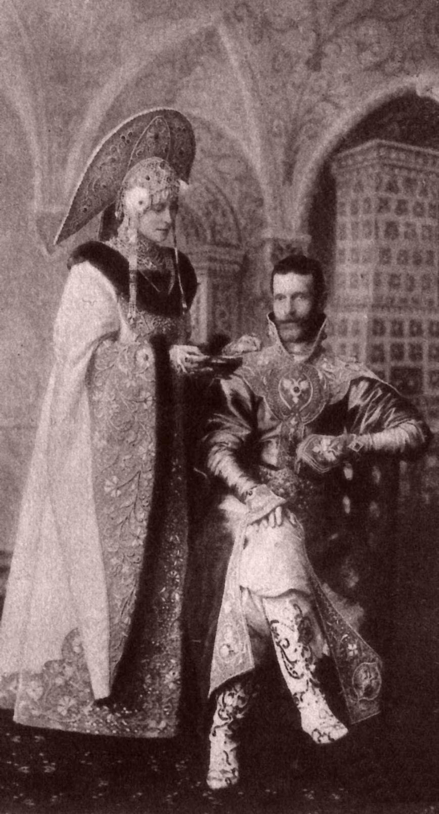 "Grand Duchess ""Ella"" with husband,  Grand Duke Sergei. 1903: The Ball at the Winter Palace http://www.retronaut.com/2013/04/the-ball-at-the-winter-palace/"