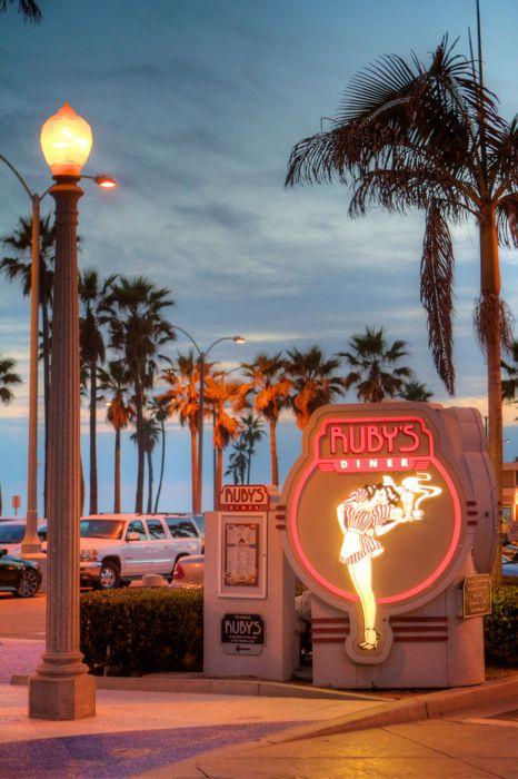Ruby's of Balboa Pier  Newport Beach Flickr / semperjeffrei  Yummers!