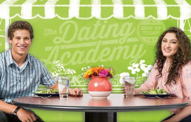 who is kourtney kardashian dating 2016