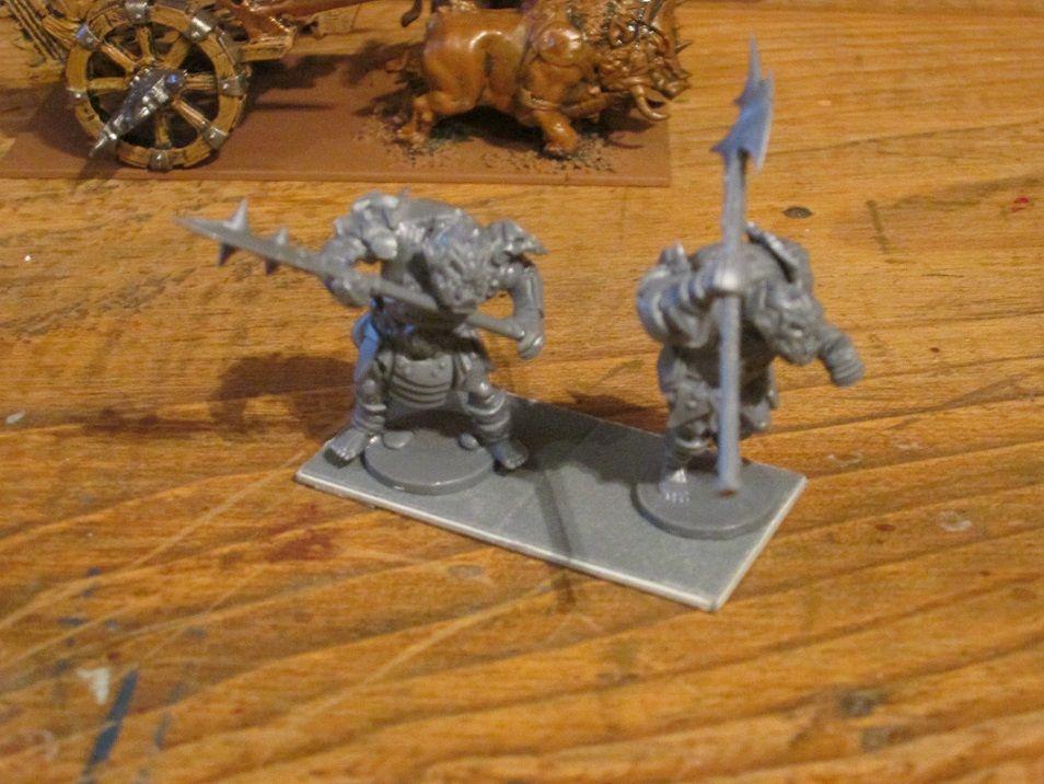 Conductores para carruaje orco de guerra. Mantic. Kings of war