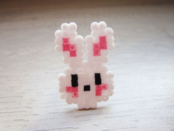 bijou bague lapin kawaii perle hama mini blanc rose plastique 8 bit geek girly femme. Black Bedroom Furniture Sets. Home Design Ideas