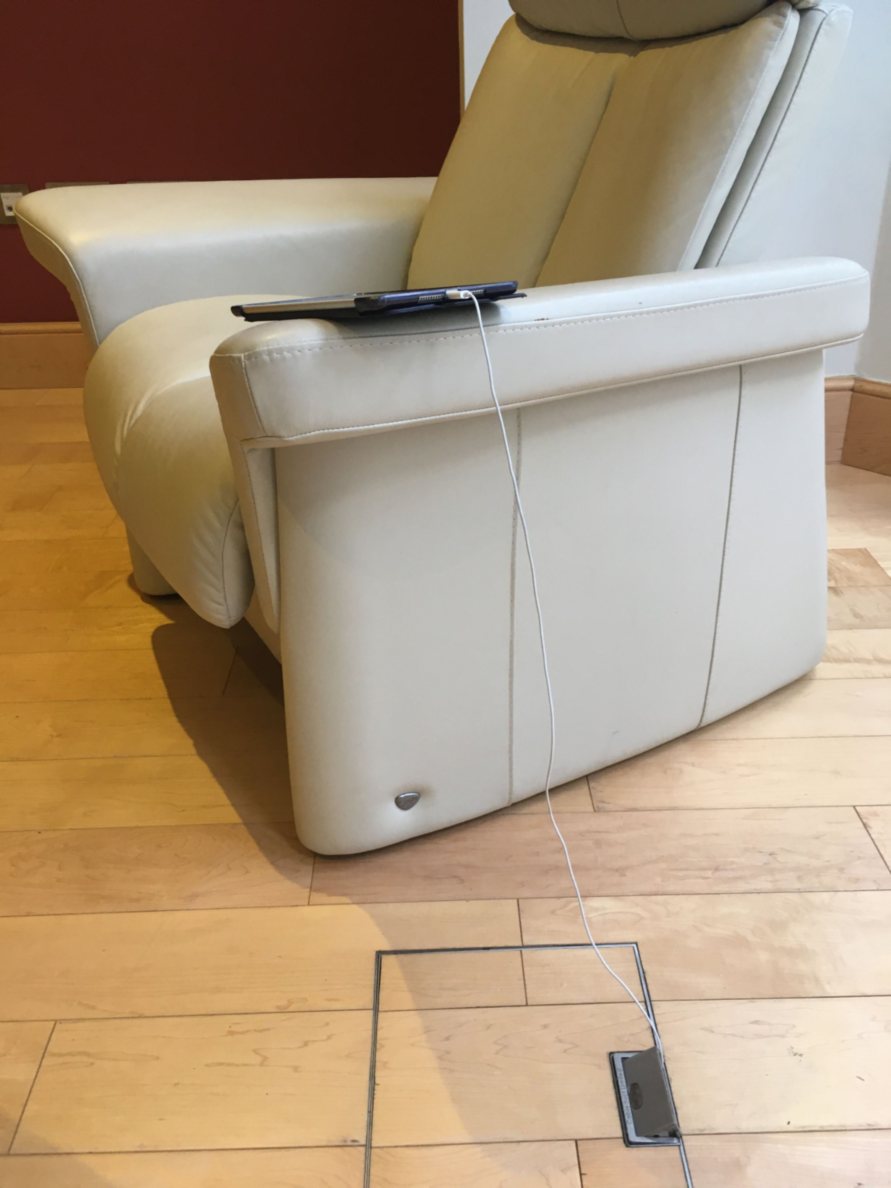 Relax with the quiet confidence that you don't have to go charge your phone. #interiordesign #architect #floorbox #home #homedesign #homedesignideas #renovation #electronic #designideas #luxuryhome #discreet #interiorarchitecture #practical #flooring