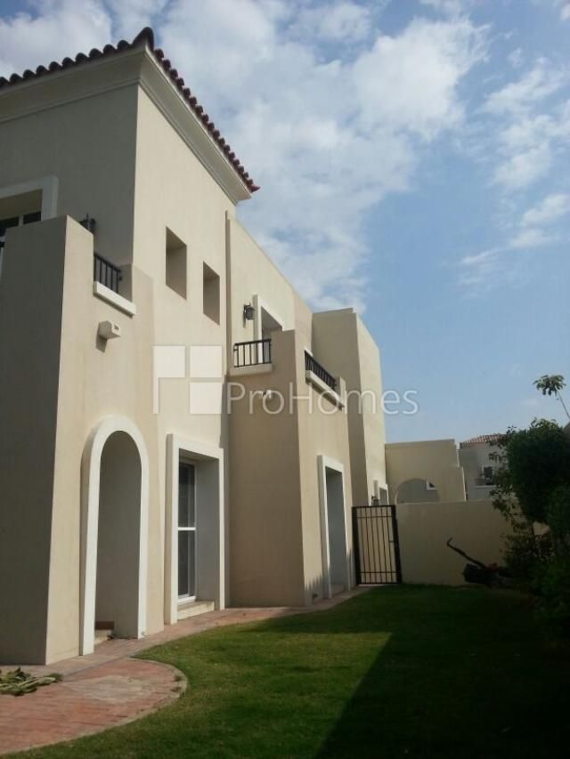 The Lakes Ghadeer Aed 5 200 000 Type 2 End In Ghadeer Vacant Plot Area 4162 Sq Ft Bua 2788 Sq Ft 4 Be Maids Room Mansions Property For Sale