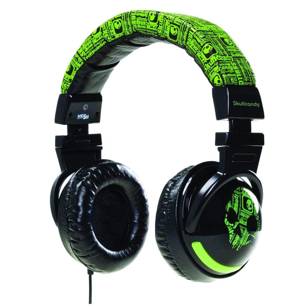 41ce95b5fcf Audífonos verdes, grandes, redonditos,y con el cable en una oreja, no en  las dos para darle