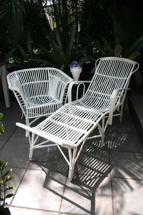Stunning 1920s art deco split cane sunlounger and armchair. - Stunning 1920s Art Deco Split Cane Sunlounger And Armchair