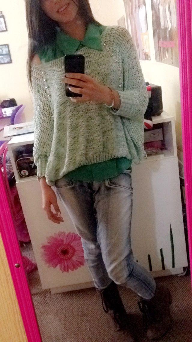Sweter Verde+Blanco alas murciélago & Blusa verde ##Botas creado por nosotras café altas con taco medio