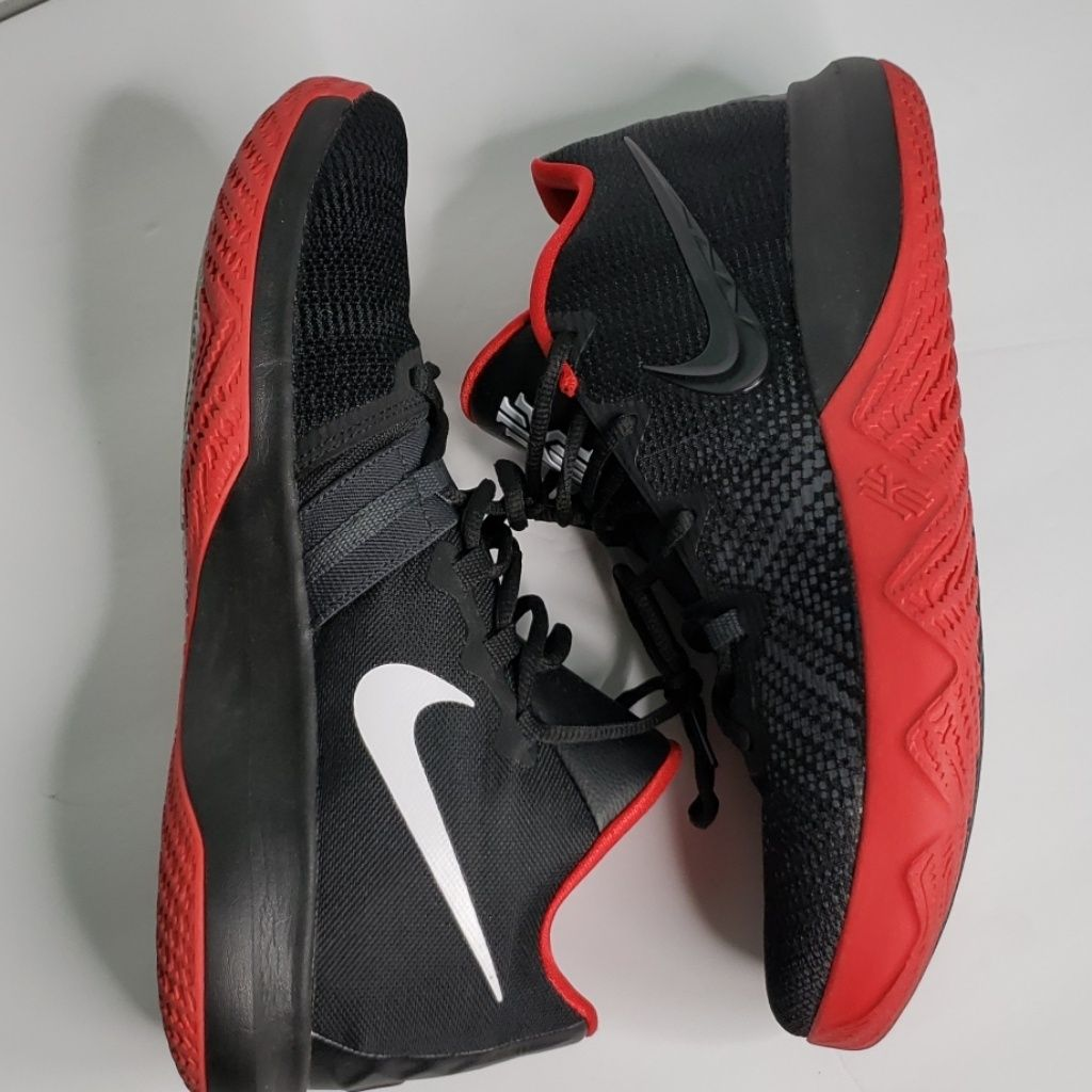 Nike Kyrie Flytrap Basketball Shoe Size