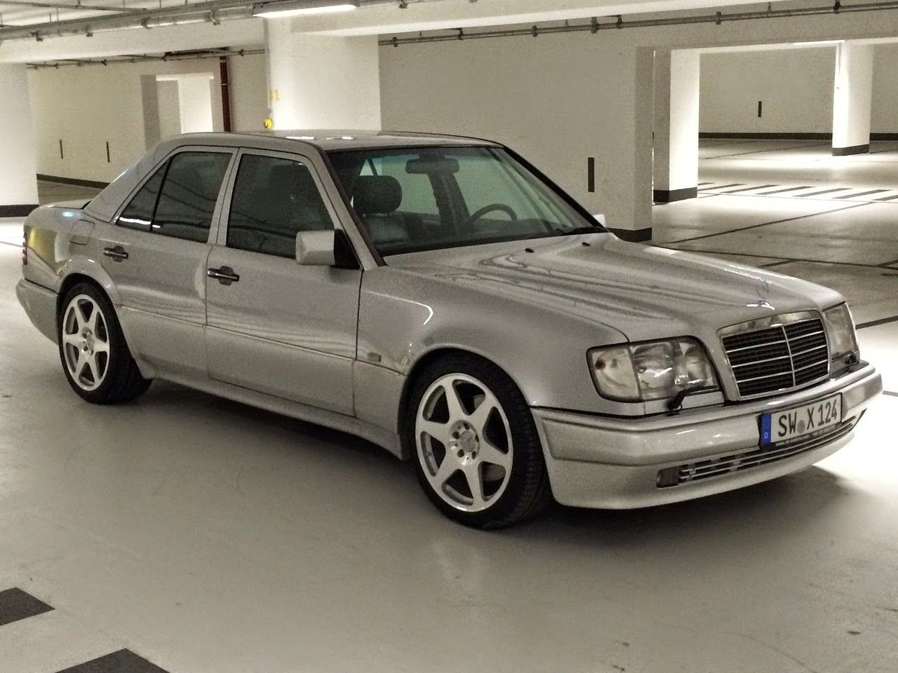 Mercedes Benz W124 E500 Limited Edition