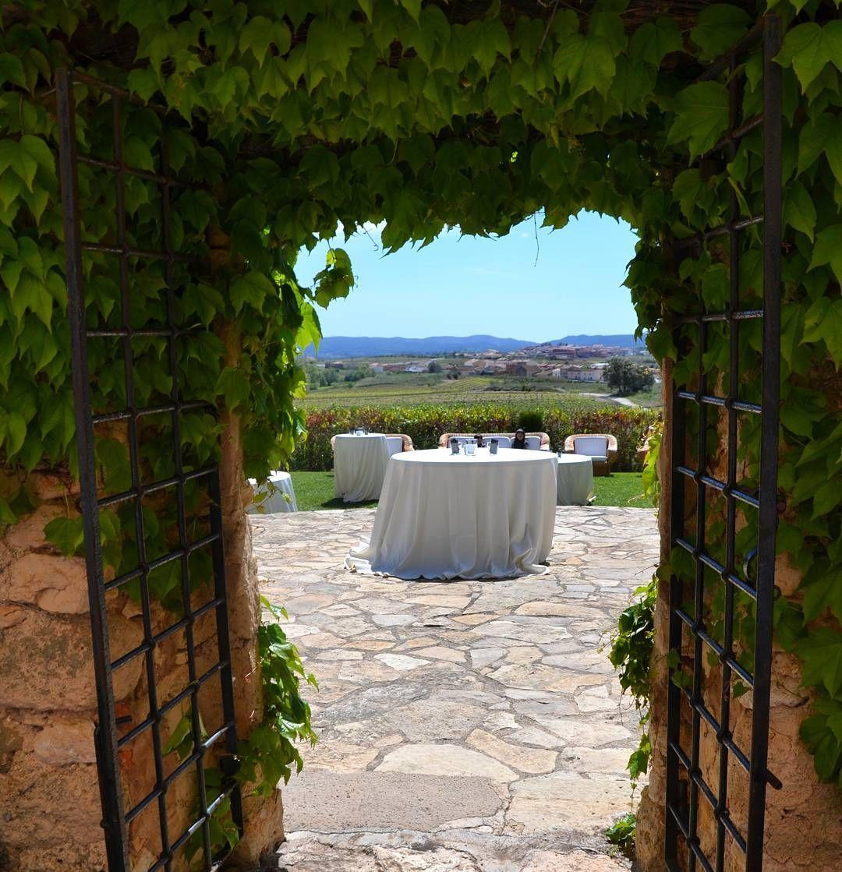 Nos encantan estas vistas!!  Boda I&J.  Con @cateringsensacions  #bodas #celebraciones #eventos #casaments #baixpenedes #rustic #magico #cataluniaexperience #instashot #photooftheday #viñedospenedes #unic #primavera #amorypaz #igersbarcelona #igerstarragona #weddingideas #weddingstyle #masiacampau #Alamango #Bridal #Textiles #Wedding #AlamangoBridal #AlamangoTextiles #Malta #LoveMalta #Bridesmaid #WeddingDress