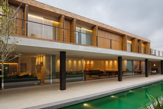 Brazillian architect Marcio Kogan has designed Tijolinhos House