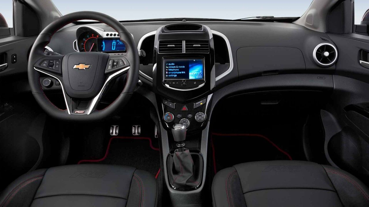 Control Your Music With The Available Chevrolet Mylink Radio With