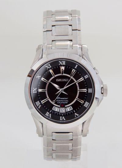 10a85f11c1f7 Reloj de caballero SEIKO de la colección Premier. Calendario perpetuo.  Esfera negra.