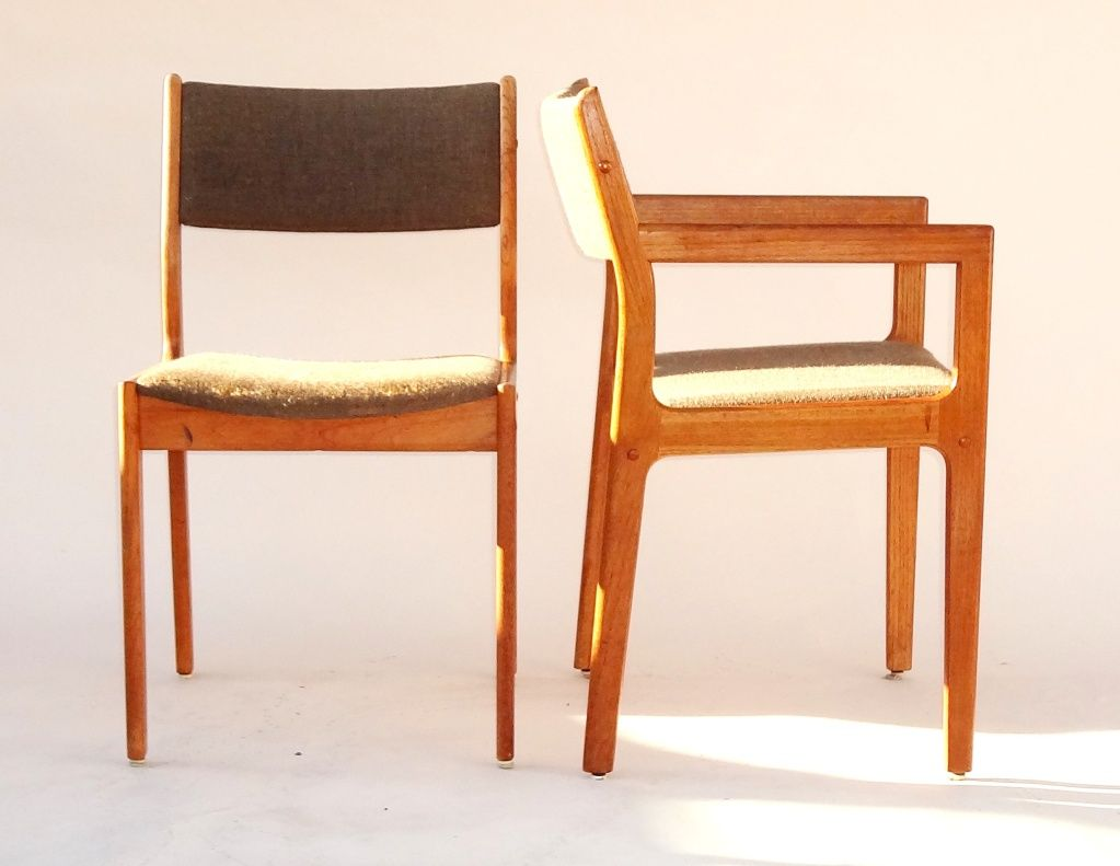 Los Angeles: Mid Century D Scan Teak Chairs   $65   Http://