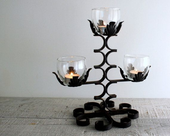 Vintage Black Wrought Iron Candelabra Candle Holder    Halloween op Etsy, 18,98 €