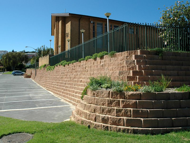 Retaining Wall With Added Plant Pocket Terraforce Retaining Wall Retaining Wall Blocks Concrete Blocks