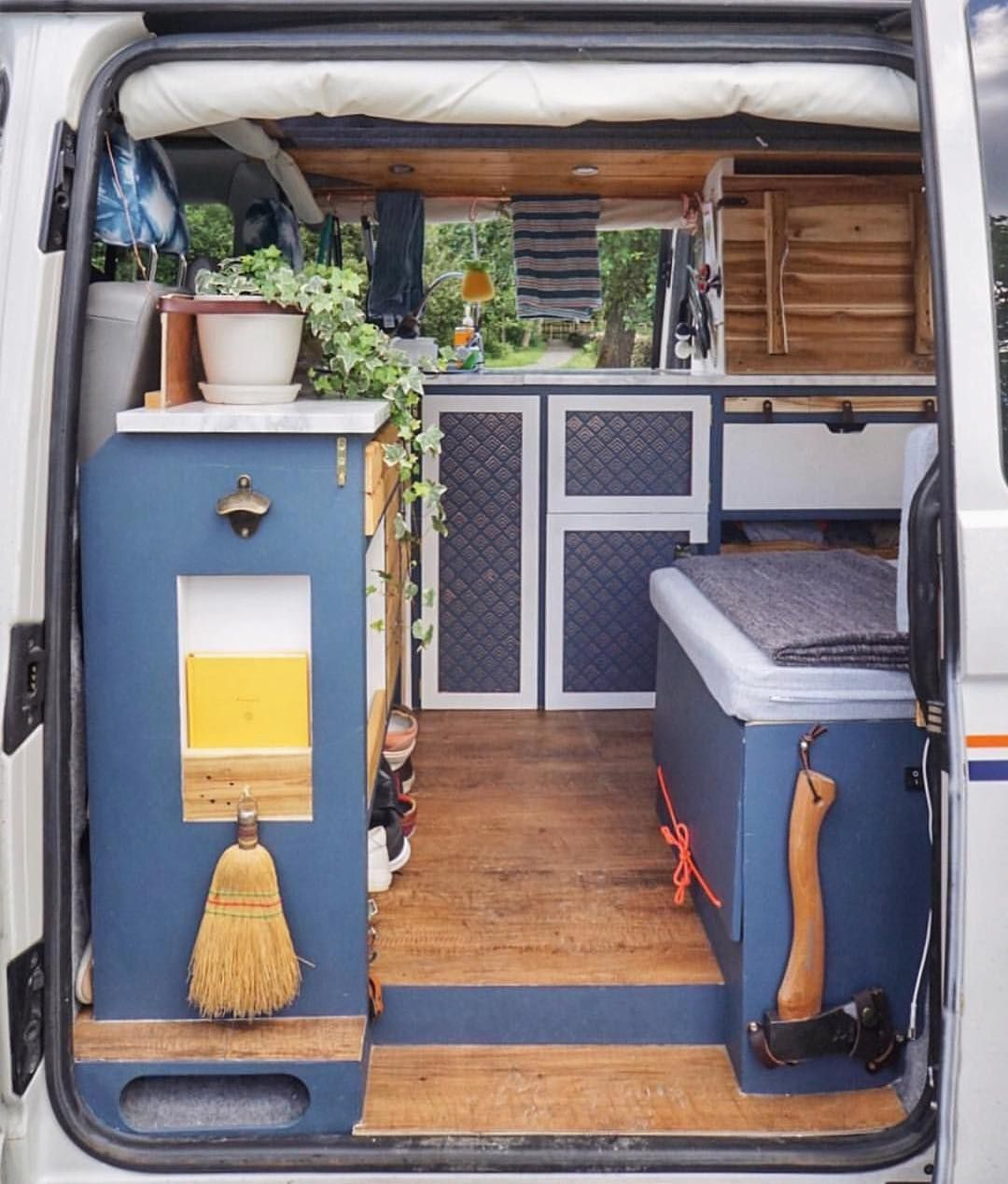amenagement camper van campingcar am nager son campervan pinterest van. Black Bedroom Furniture Sets. Home Design Ideas