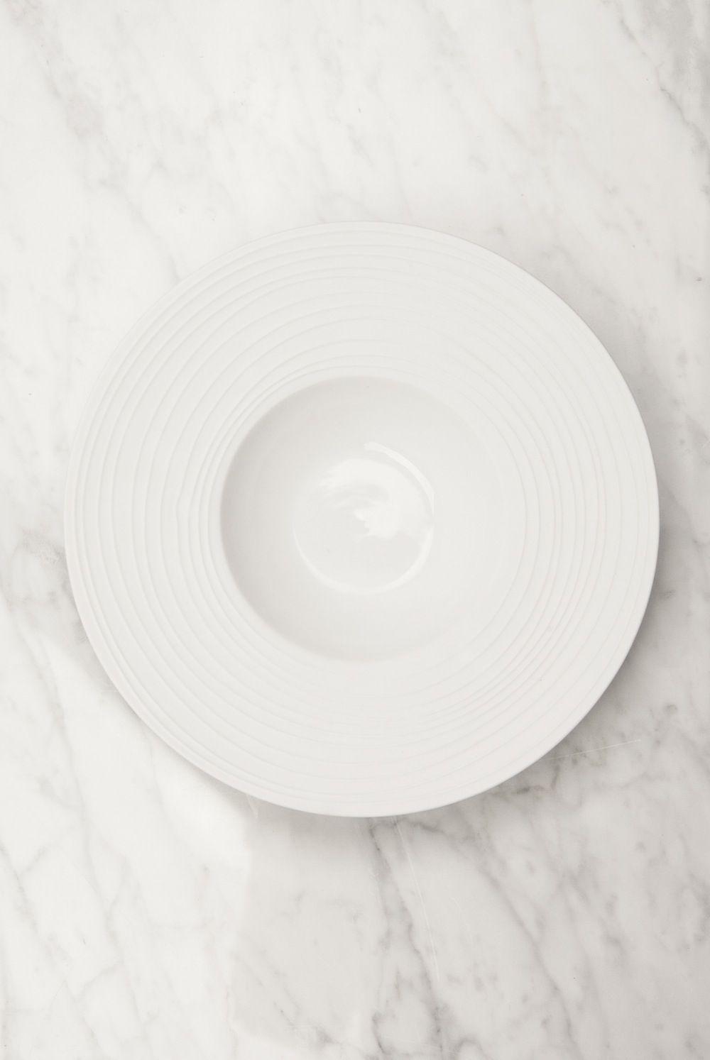 Conjunto de 6 unidades de plato gourmet con relieve for Platos porcelana blanca